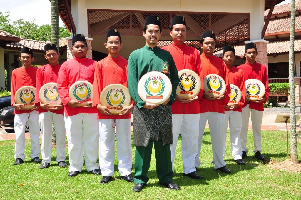 Baju Merah Rasmi (1)